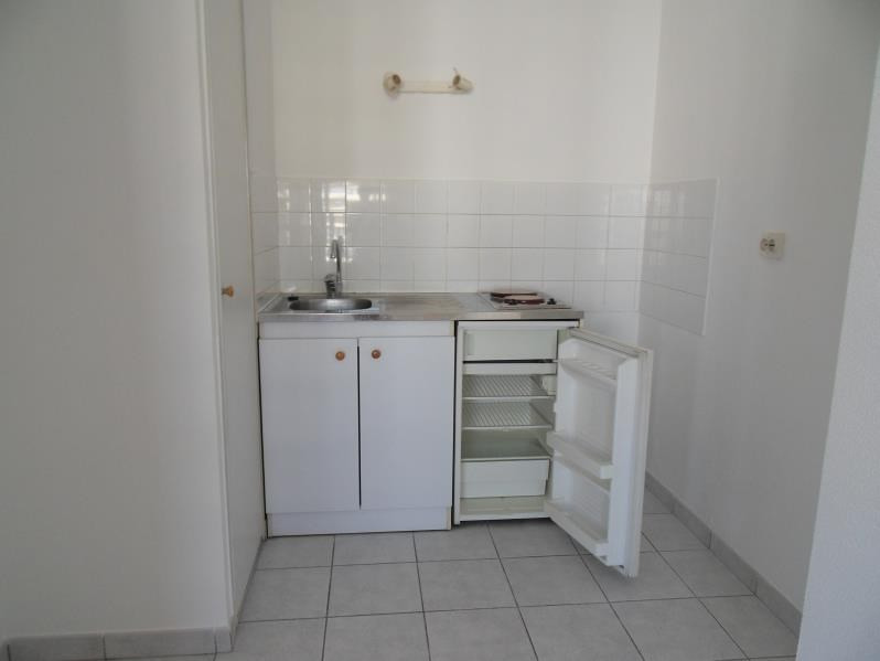 Location appartement Lyon 3ème 578€ CC - Photo 2