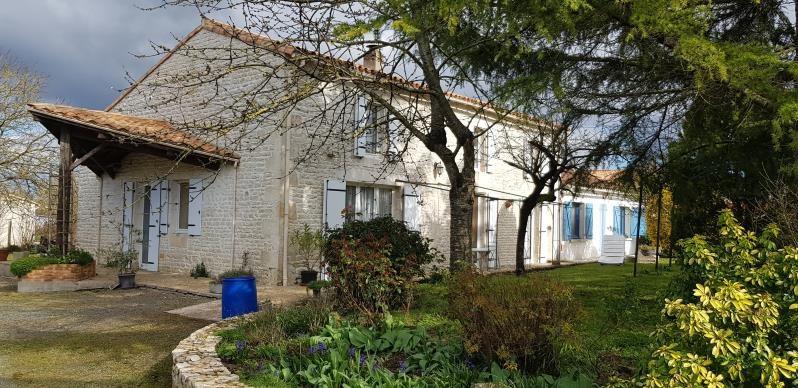 Maison en pierre prahecq - 7 pièce (s) - 155 m²