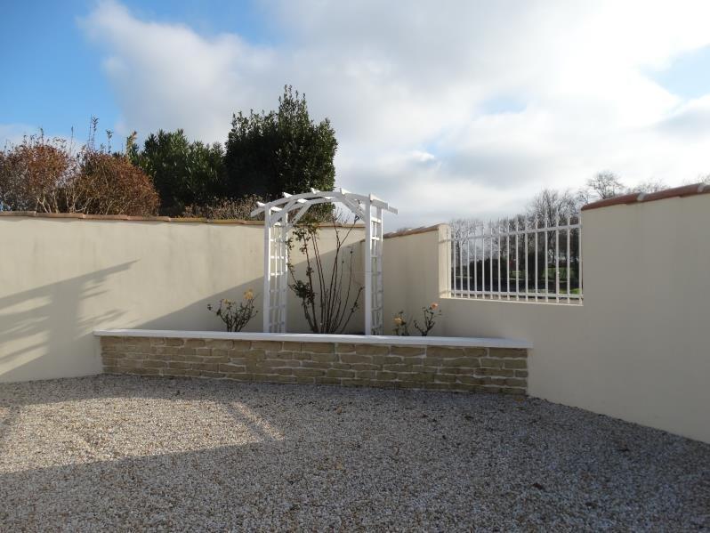 Sale house / villa Le chateau d'oleron 341500€ - Picture 2