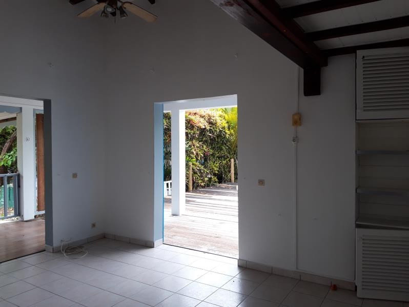 Location maison / villa Ste anne 1300€ CC - Photo 7