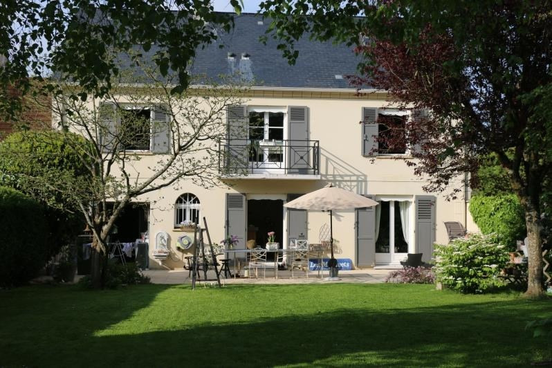 Sale house / villa Feucherolles 795 000€ - Picture 1