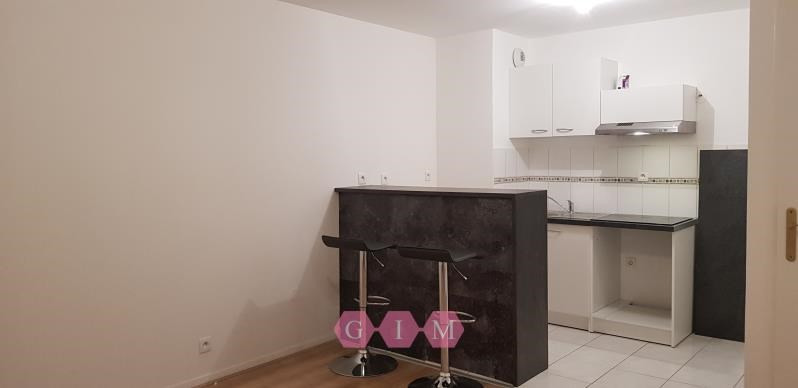 Location appartement Chanteloup les vignes 645€ CC - Photo 2