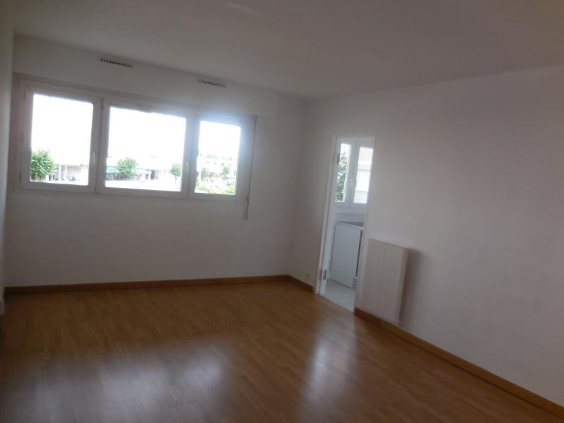 Rental apartment Chatou 854€ CC - Picture 2