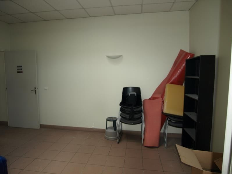Vente local commercial Montfort l amaury 241 500€ - Photo 4