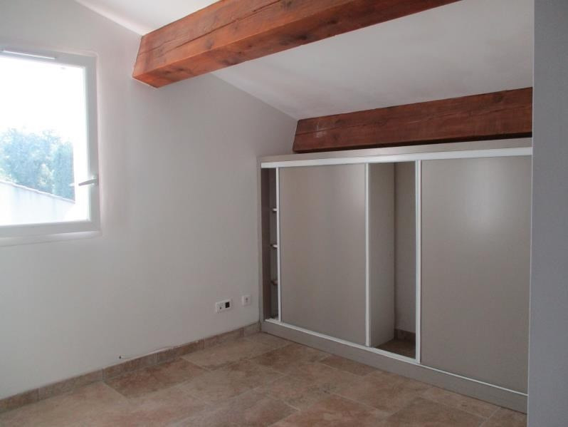 Location maison / villa Salon de provence 790€ CC - Photo 6