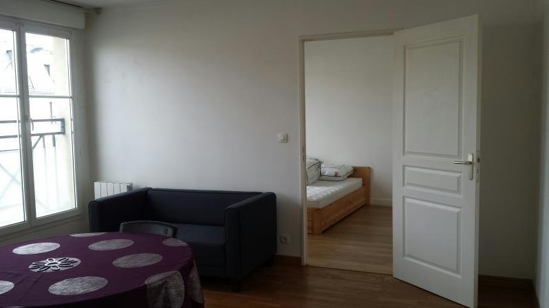 Location appartement St cyr l ecole 815€ CC - Photo 1