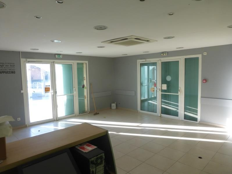 Location local commercial St maximin la ste baume 800€ HT/HC - Photo 1