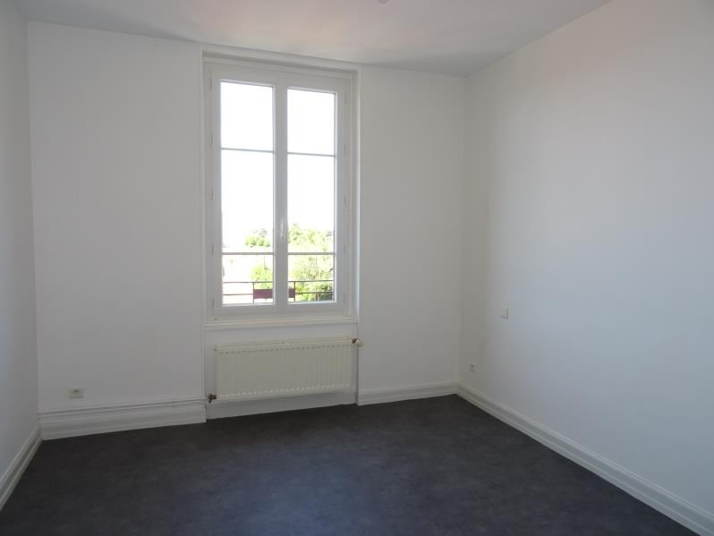 Location appartement Roanne 515€ CC - Photo 3