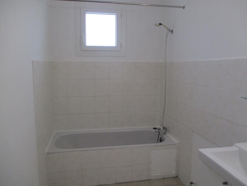 Rental apartment Salon de provence 704€ CC - Picture 7
