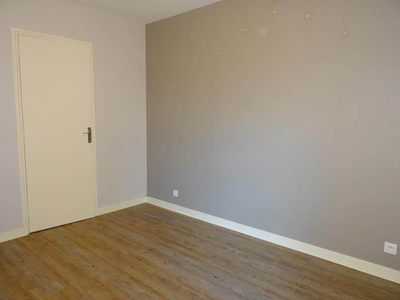 Location appartement Le coteau 450€ CC - Photo 3