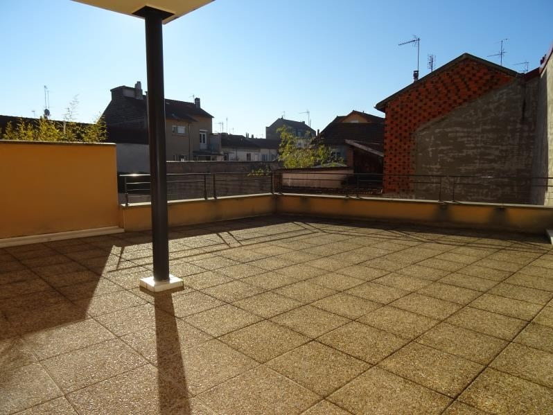 Rental apartment Roanne 739,42€ CC - Picture 1
