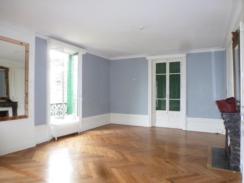 Location appartement Charbonnieres les bains 1 980€ CC - Photo 10