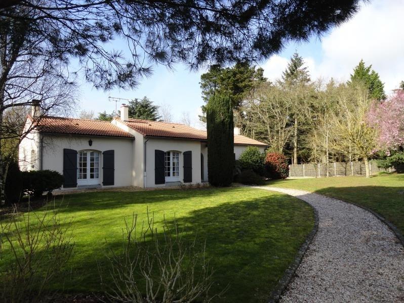Sale house / villa Getigne 351900€ - Picture 1