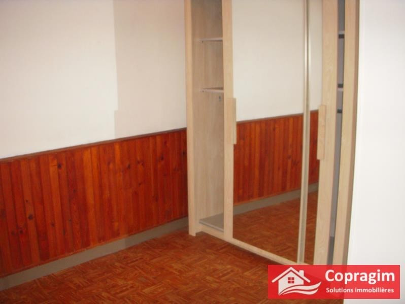 Rental apartment Montereau fault yonne 403€ CC - Picture 3