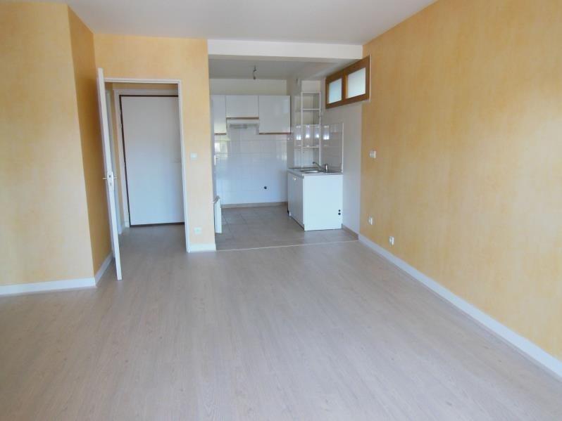 Rental apartment Chaville 948€ CC - Picture 1