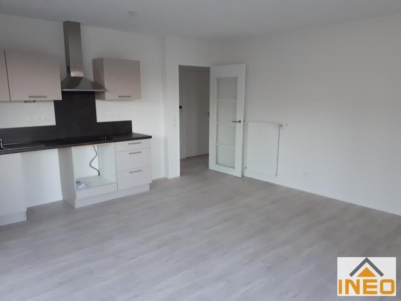 Location appartement Noyal chatillon sur seiche 615€ CC - Photo 4