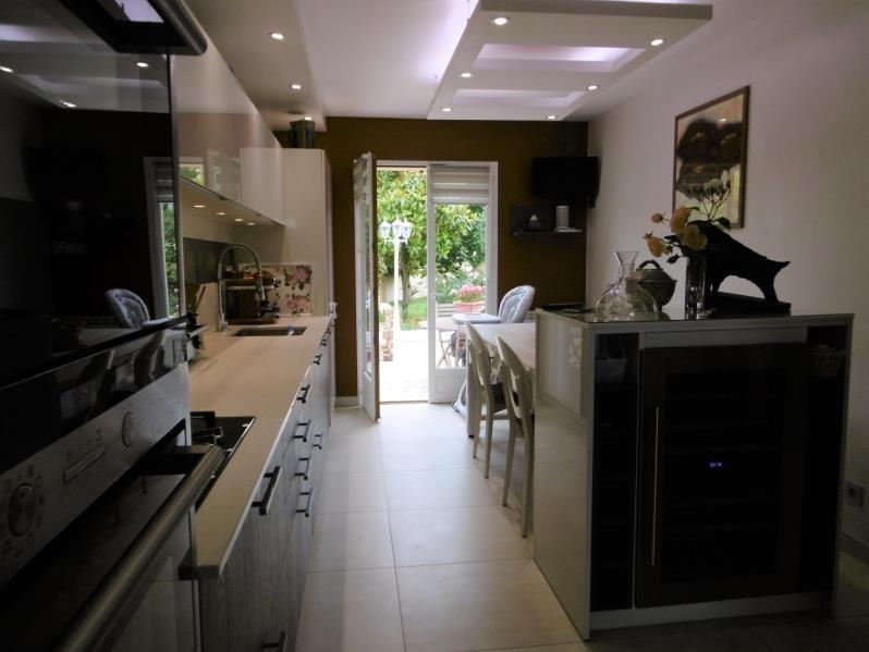 Sale house / villa Forges les bains 455000€ - Picture 3