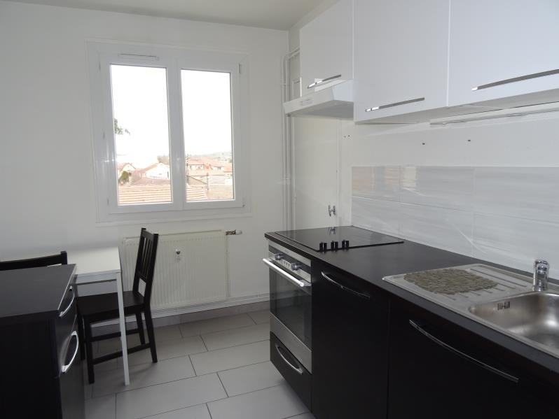 Location appartement Le coteau 500€ CC - Photo 1