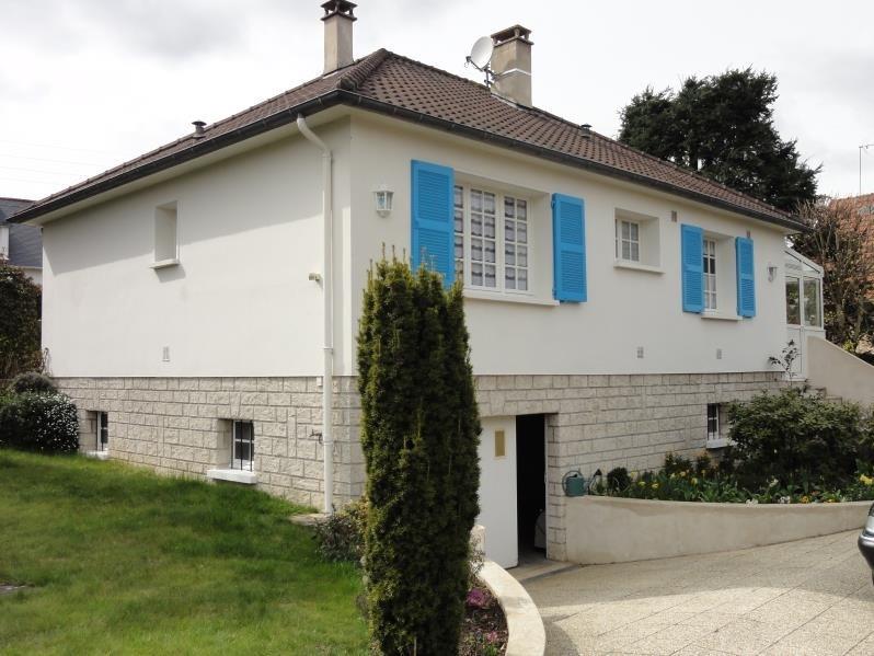Sale house / villa Montfort l amaury 385000€ - Picture 1