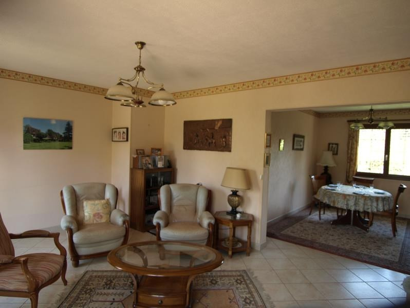 Sale house / villa Montfort l amaury 449500€ - Picture 4