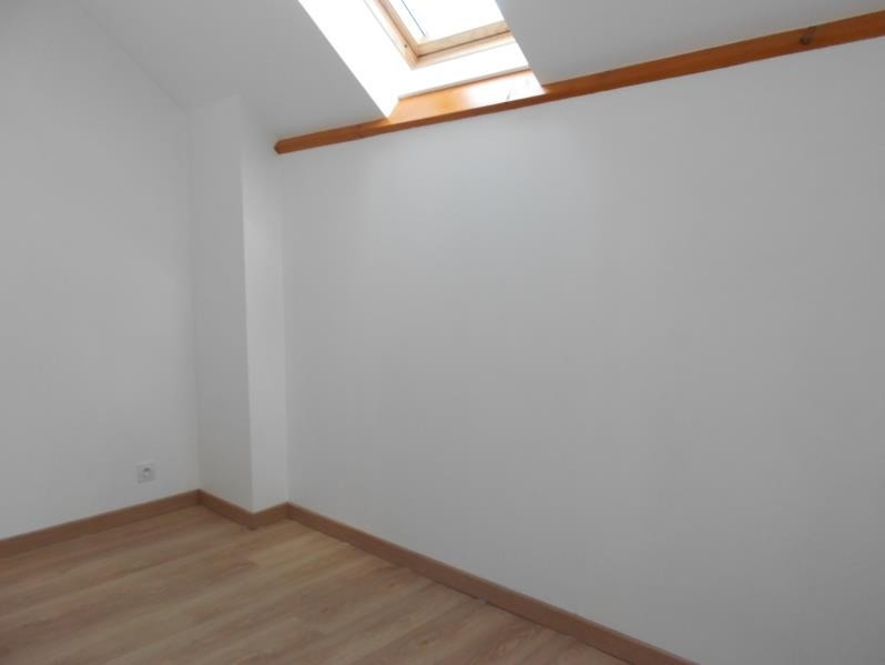 Location maison / villa Sainte colombe 740€ CC - Photo 4