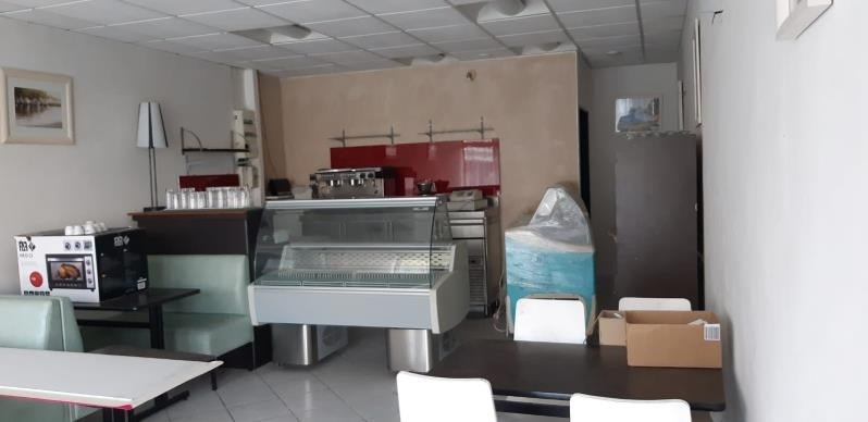 Location local commercial Acheres 971€ HT/HC - Photo 1