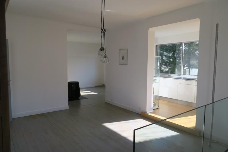 Investment property house / villa Verrieres le buisson 780000€ - Picture 2