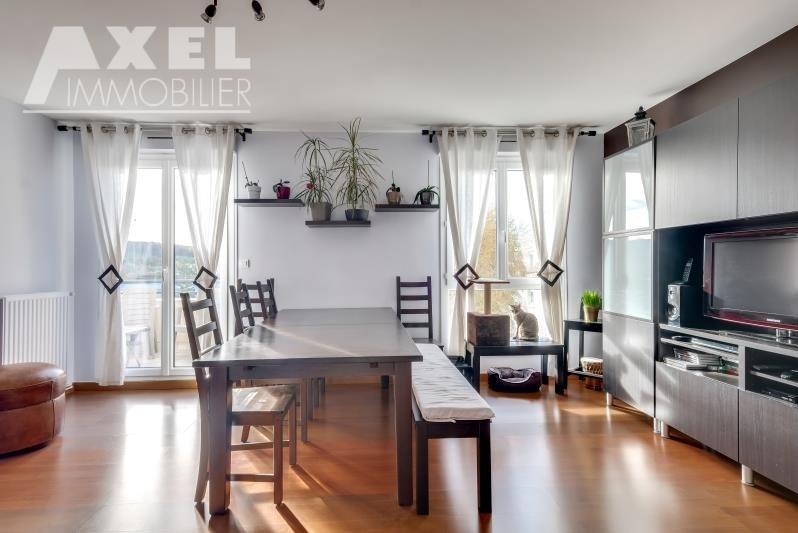 Sale apartment Plaisir 241500€ - Picture 2