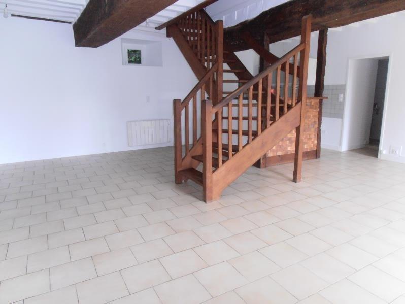 Location maison / villa Saint didier 725€ CC - Photo 2