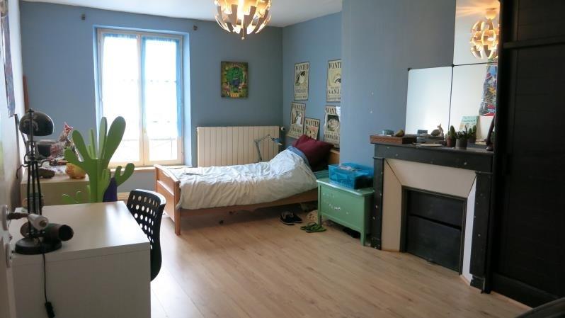 Sale house / villa Crecy la chapelle 327500€ - Picture 6