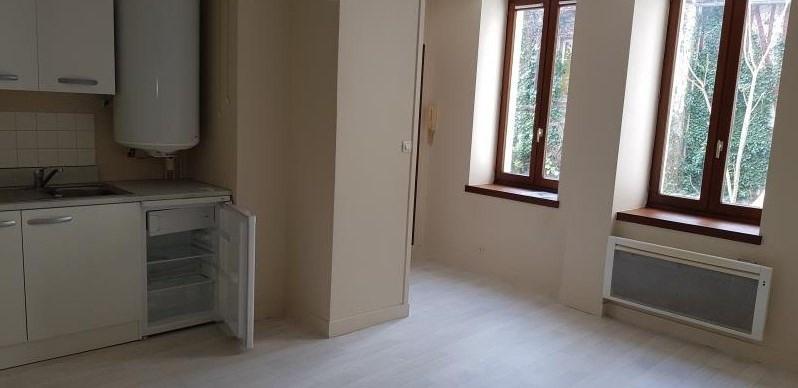 Rental apartment La roche guyon 479€ CC - Picture 1