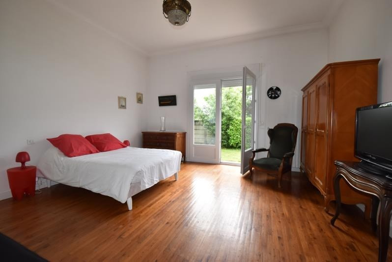 Deluxe sale house / villa Cauderan 997500€ - Picture 6