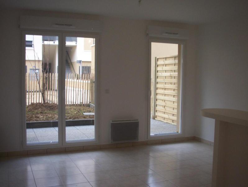 Rental apartment Montevrain 805€ CC - Picture 1