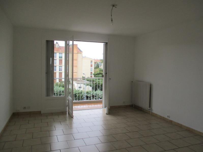 Rental apartment Salon de provence 704€ CC - Picture 1