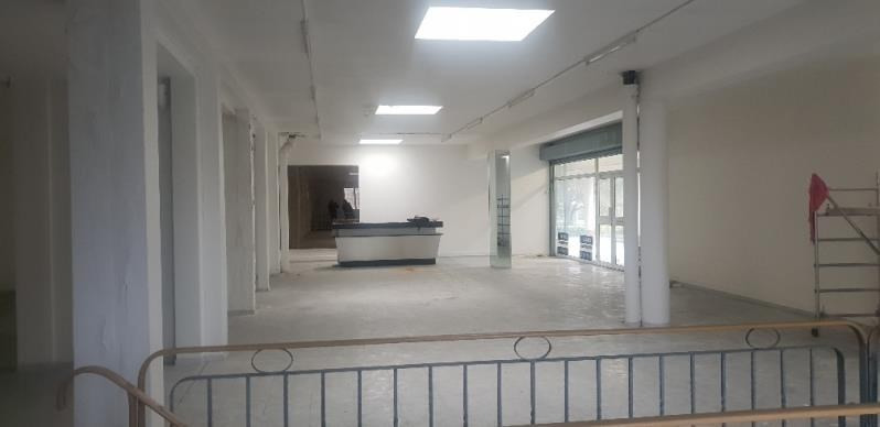 Location local commercial Coubron 2 400€ HT/HC - Photo 4