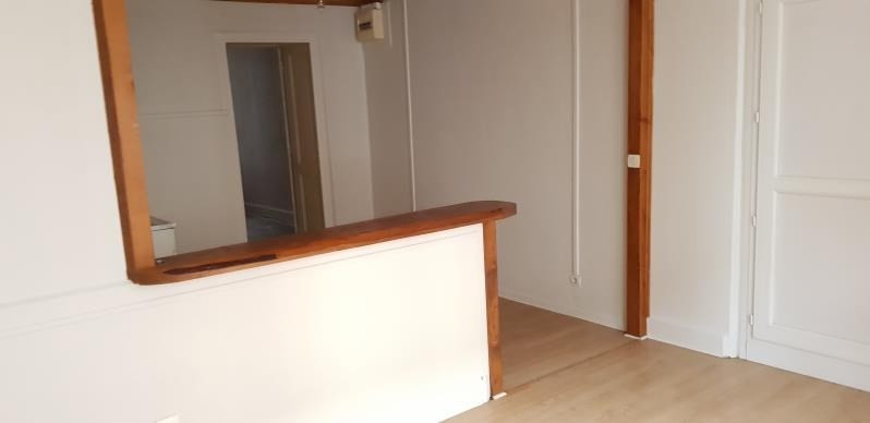 Sale apartment Oyonnax 30 000€ - Picture 2