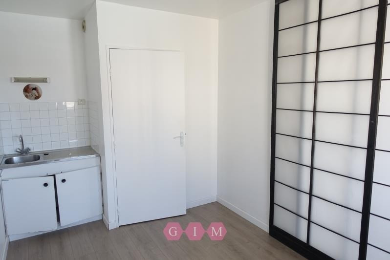 Location local commercial Poissy 880€ CC - Photo 2