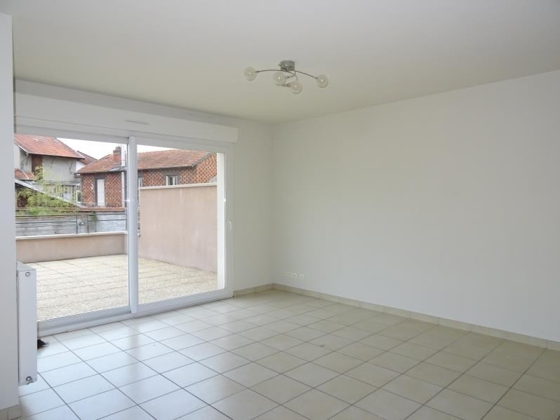 Rental apartment Roanne 648€ CC - Picture 2