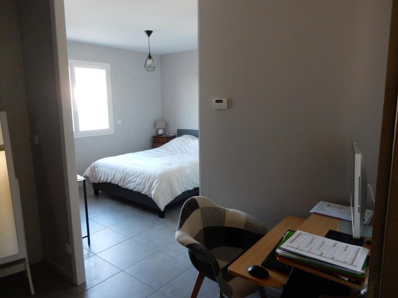 Revenda casa Langon 326200€ - Fotografia 5