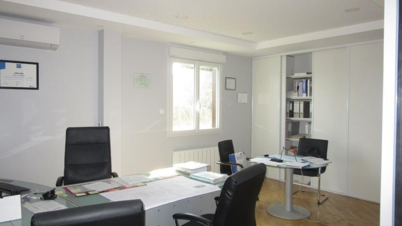 Vente local commercial Milly la foret 500 000€ - Photo 4