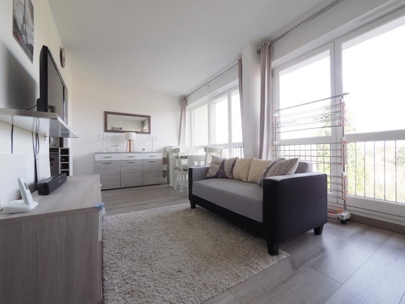Rental apartment Bois d'arcy 830€ CC - Picture 1