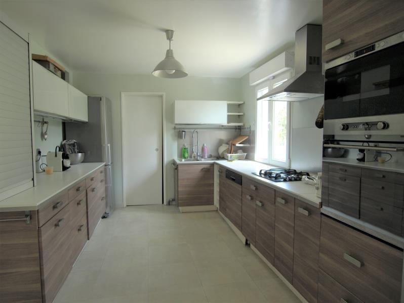 Sale house / villa Montfort l amaury 439000€ - Picture 5