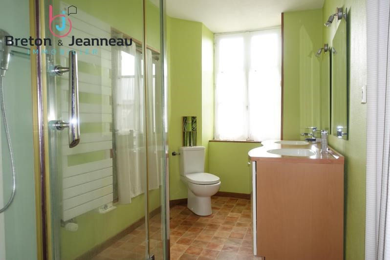 Sale house / villa St cyr le gravelais 166400€ - Picture 7