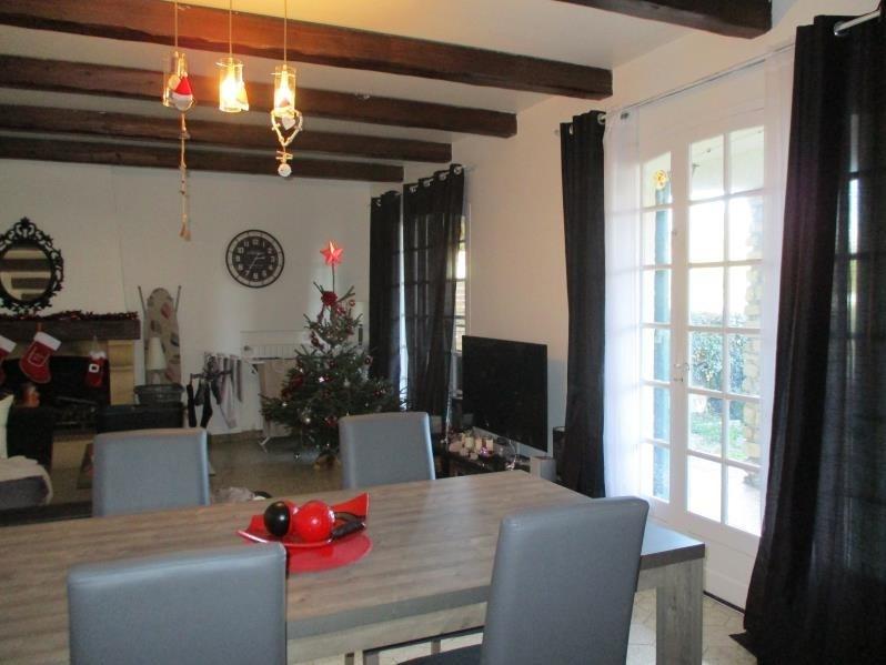 Location maison / villa Salon de provence 1170€ CC - Photo 2