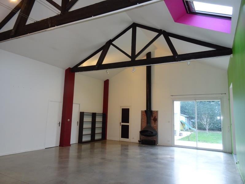 Location loft/atelier/surface Roanne 1135€ CC - Photo 2