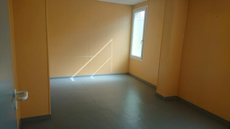 Rental empty room/storage Coutras 1 015€ HT/HC - Picture 2