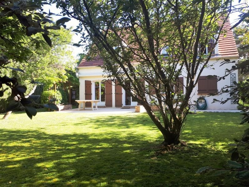 Sale house / villa Osny 460600€ - Picture 1