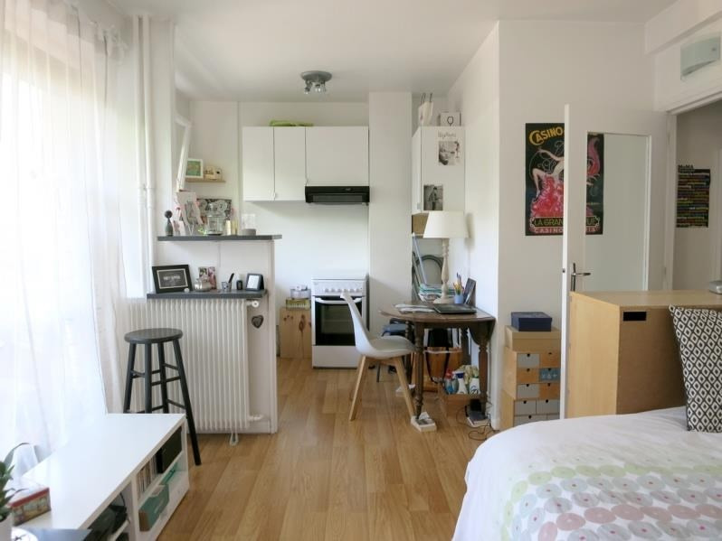 Location appartement Courbevoie 805€ CC - Photo 2