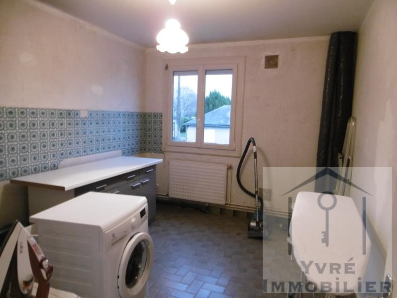 Sale house / villa Yvre l'eveque 156880€ - Picture 7
