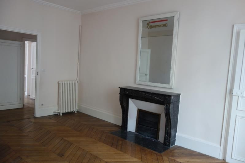 Rental apartment Versailles 2 950€ CC - Picture 6
